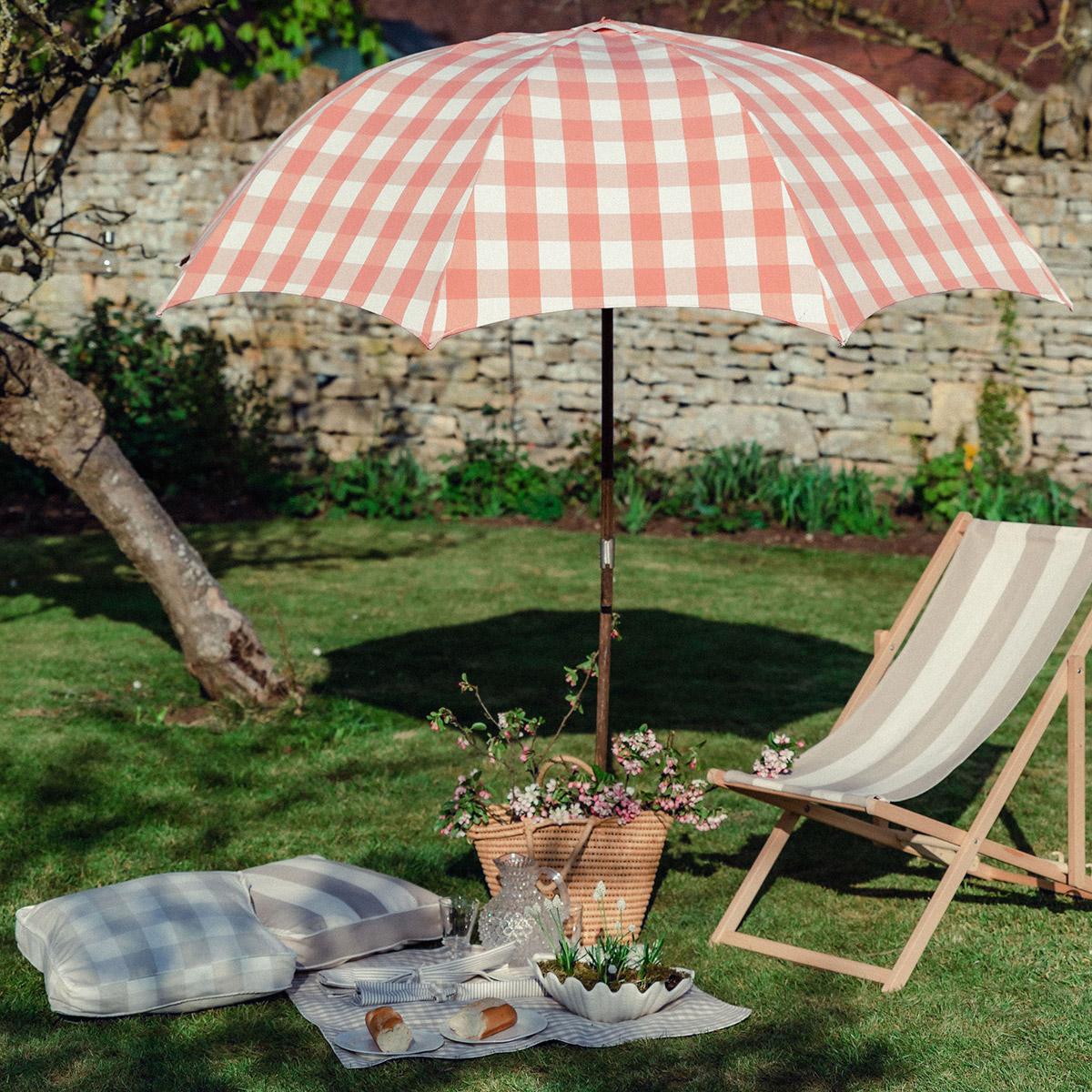 Studio Blackwell Fabric of Summer Picnic Bespoke Parasol, Tuckermat, Deckchair & Napkins